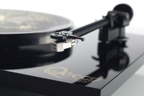 Gramofon Queen by Rega