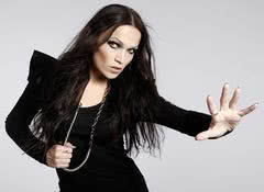 "Tarja Turunen i ""Colours In The Dark"". Nowa płyta w sierpniu"
