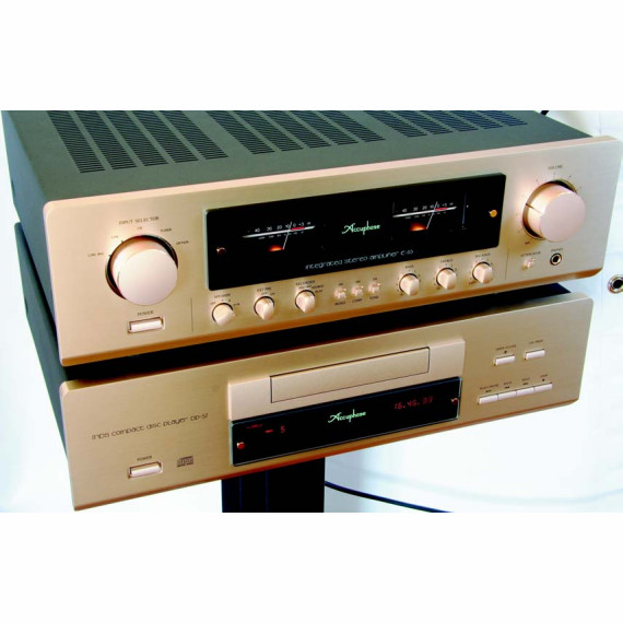 ACCUPHASE  E-213 + DP-57